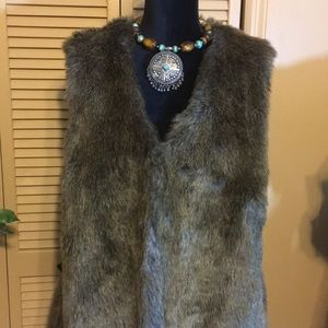 Apt. 9 Jackets & Coats - Apt 9 faux fur vest with 2 hook and eye closures